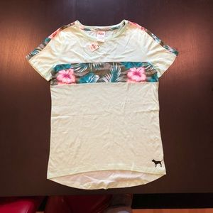 NWT Victoria's Secret Pink Floral Tee Shirt Medium